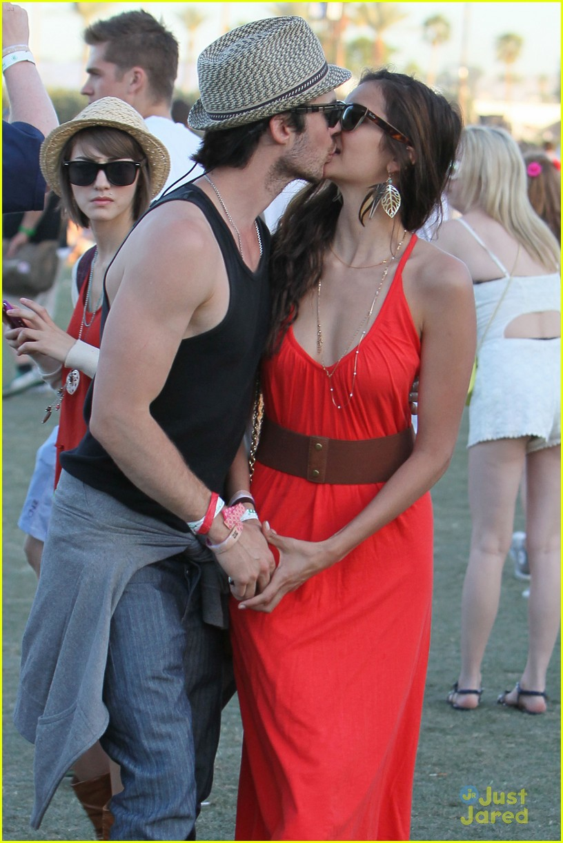 nina dobrev ian somerhalder red dress 02