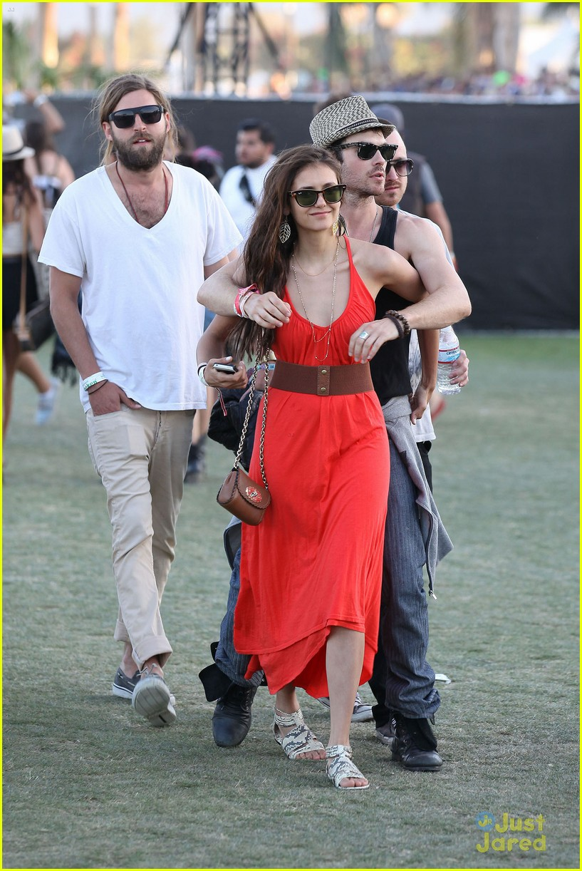nina dobrev ian somerhalder red dress 06