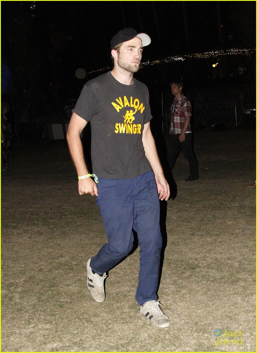 robert pattinson kristen stewart coachella 07