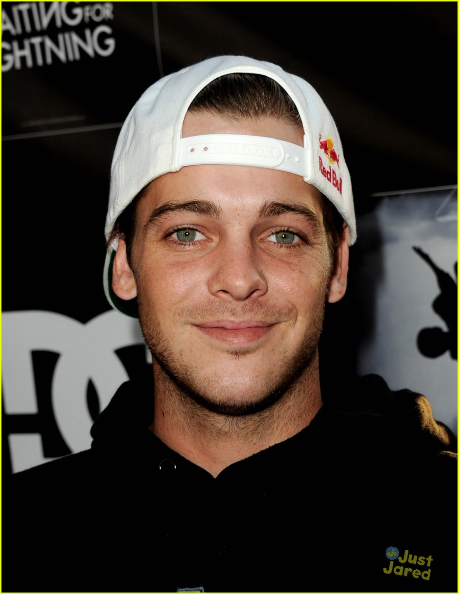 ryan sheckler waiting lightning 11
