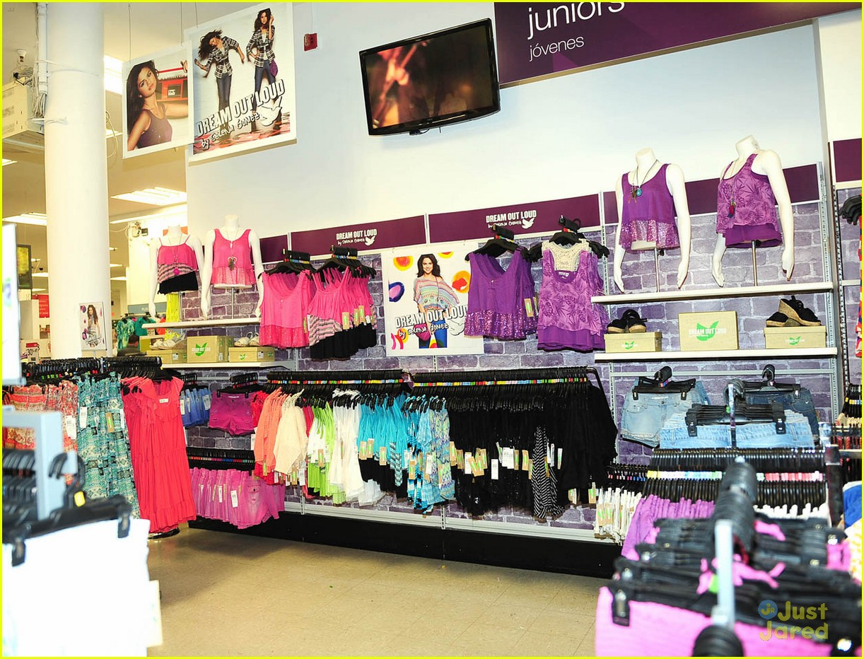 selena gomez dream out loud shopping 13