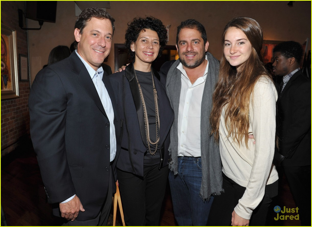 shailene woodley jury lunch 02