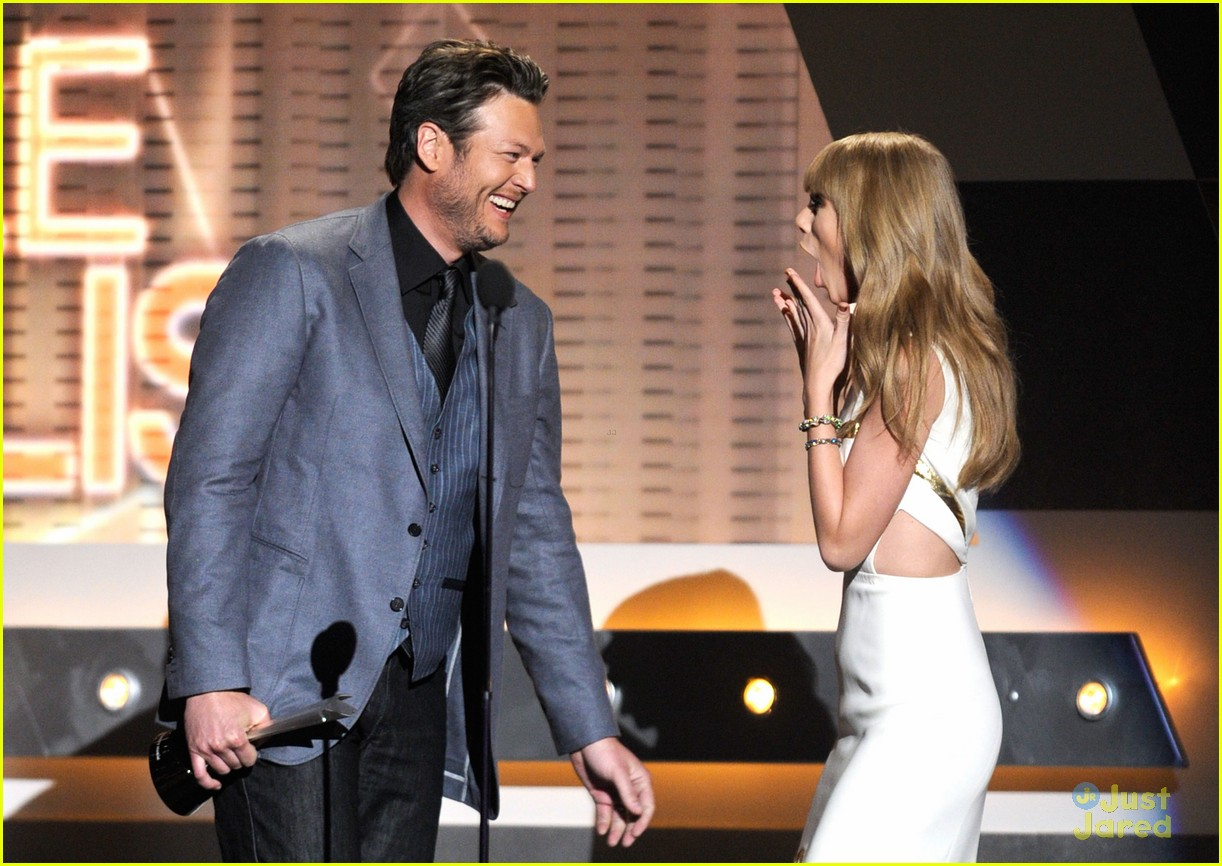 taylor swift entertainer year acms 09
