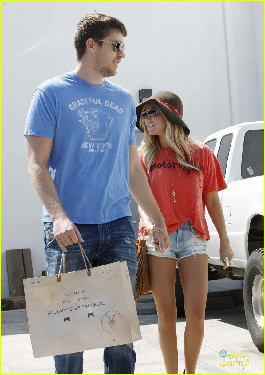 ashley tisdale scott speer shopping 05
