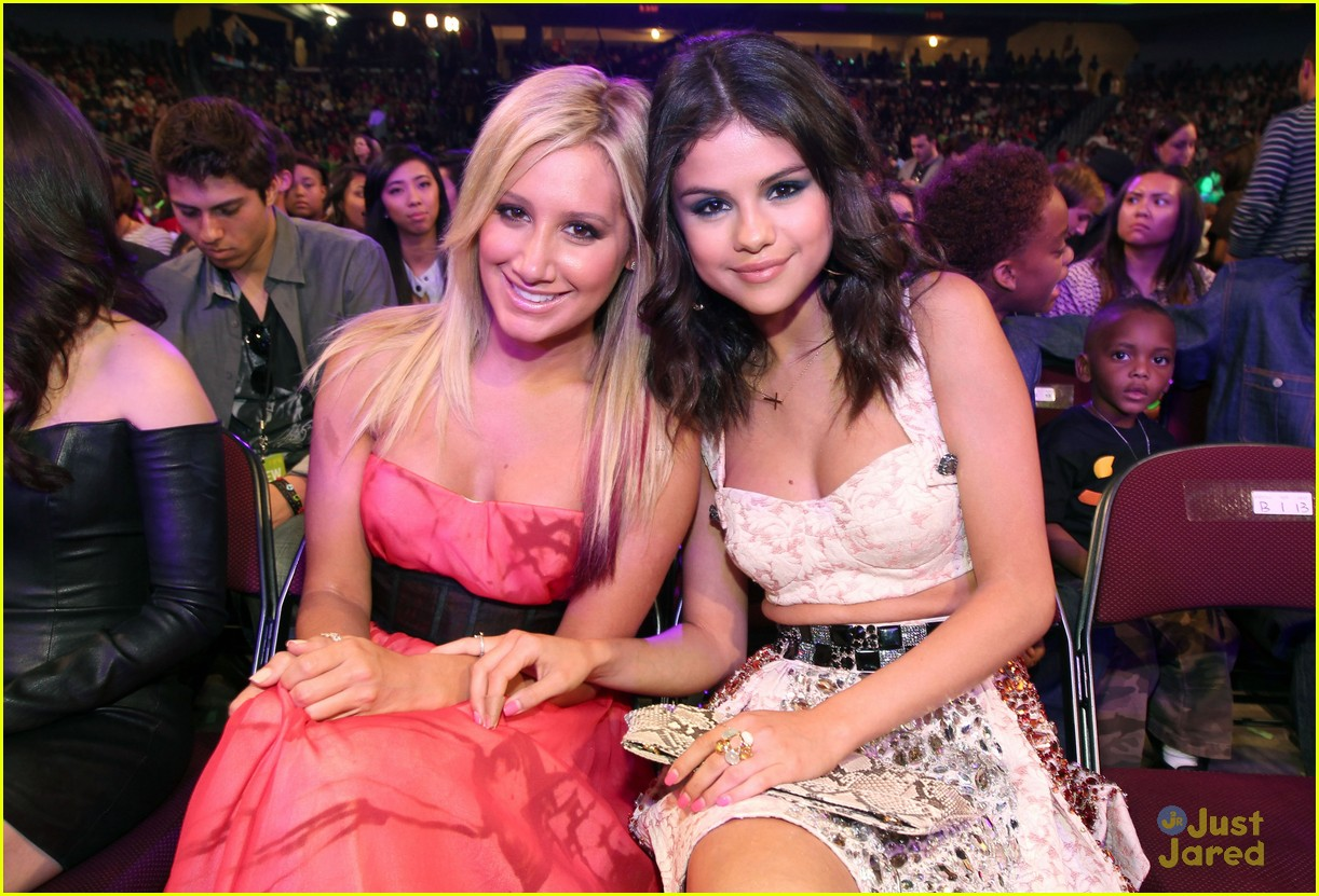 ashley tisdale alyson stoner kcas 04