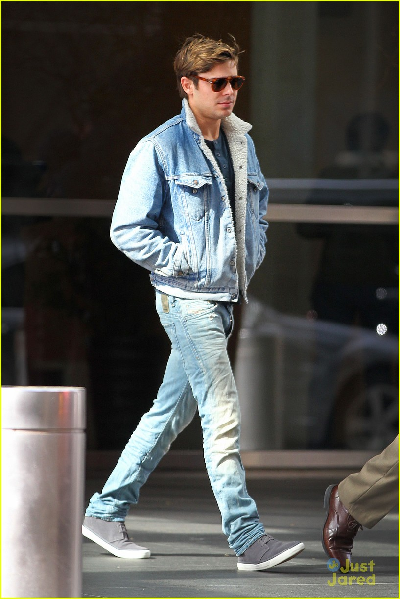 zac efron nyc jeans 03