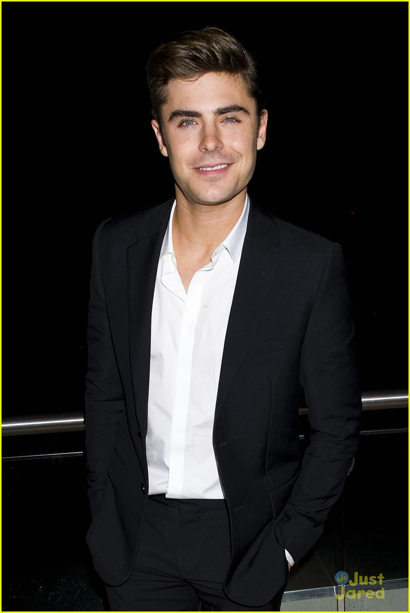 zac efron mom support 02