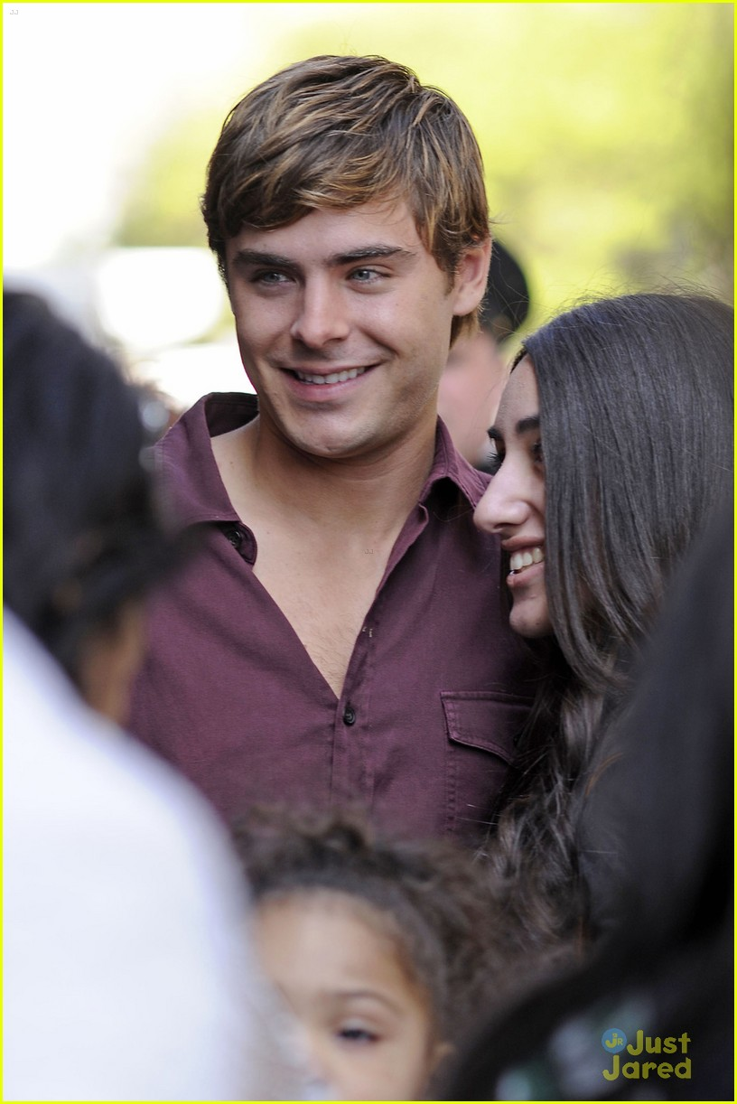 zac efron mom support 04