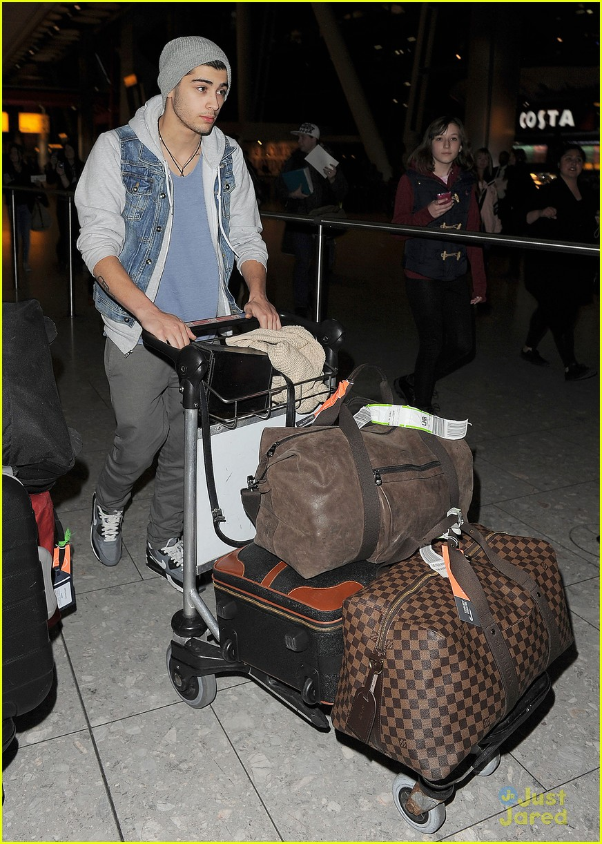 one direction heathrow arrival 12