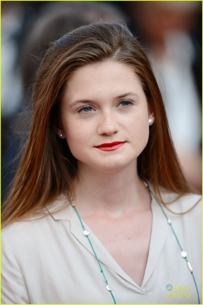 bonnie wright mud premiere cannes 09