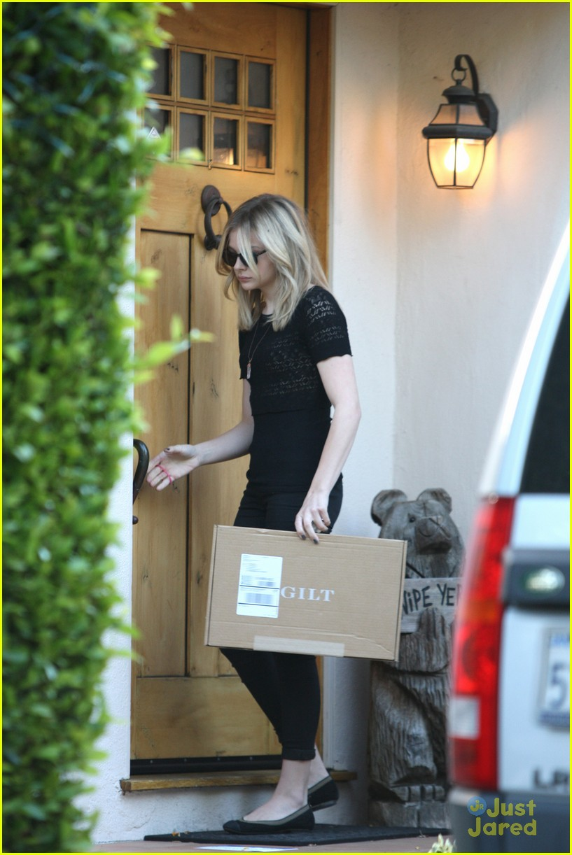 chloe moretz gilt shopper 06