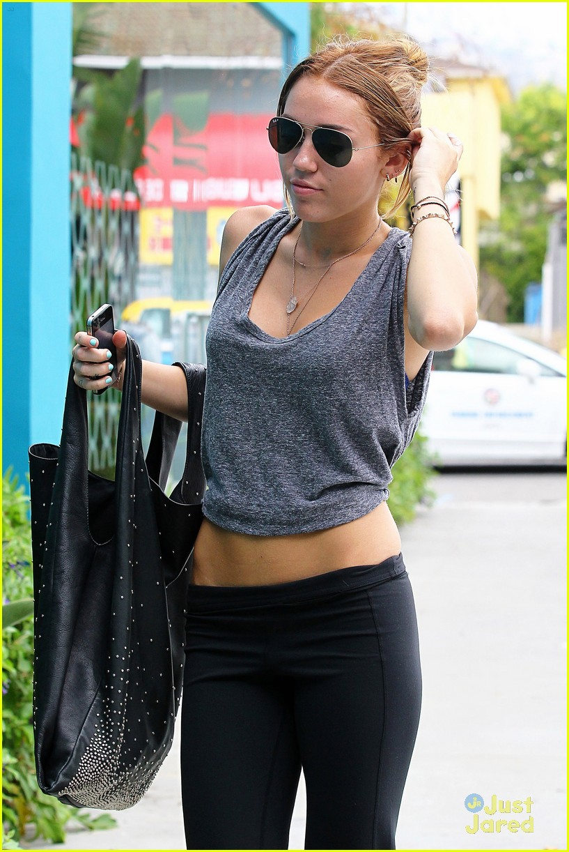 miley cyrus pilates monday 03