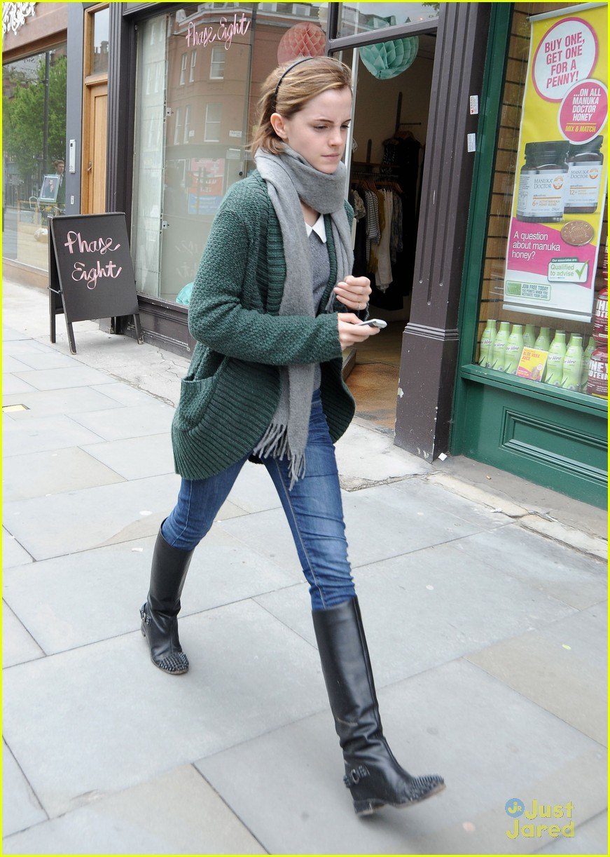 emma watson london shopping 05