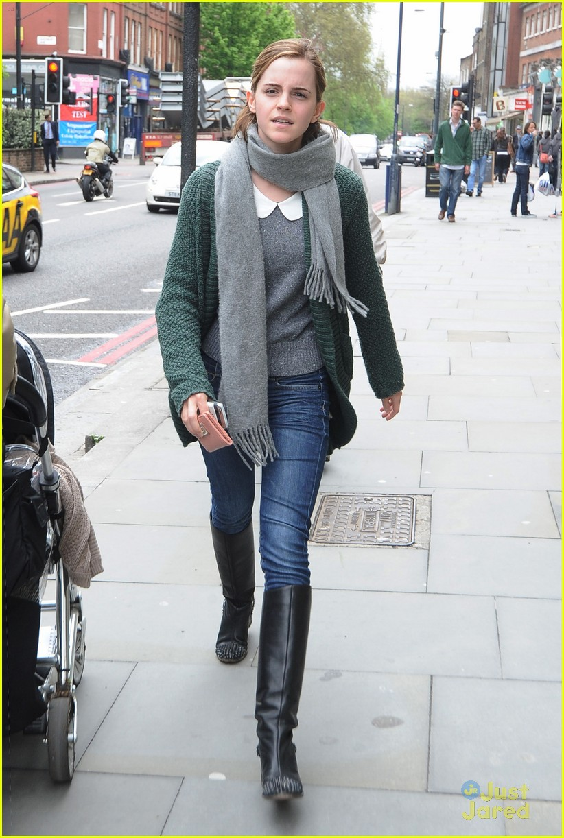 emma watson london shopping 07