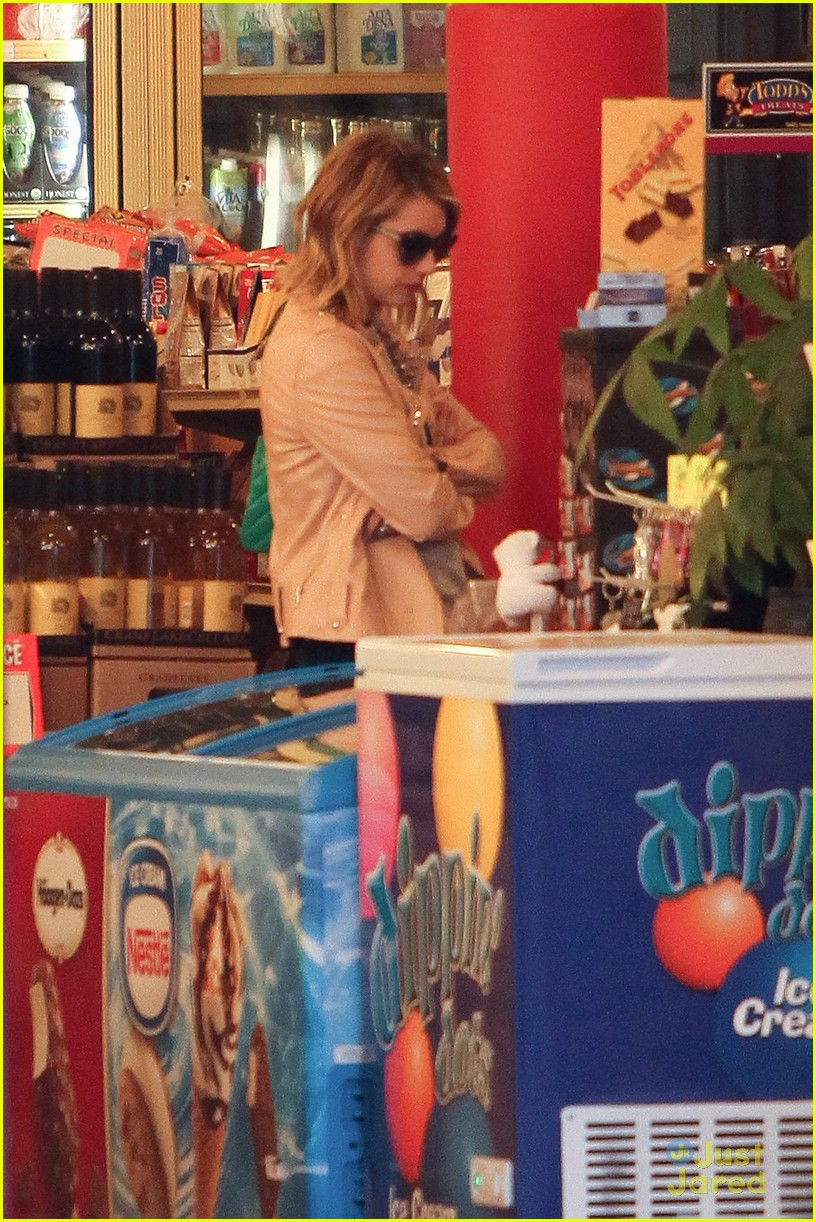 emma roberts road trip madewell 08