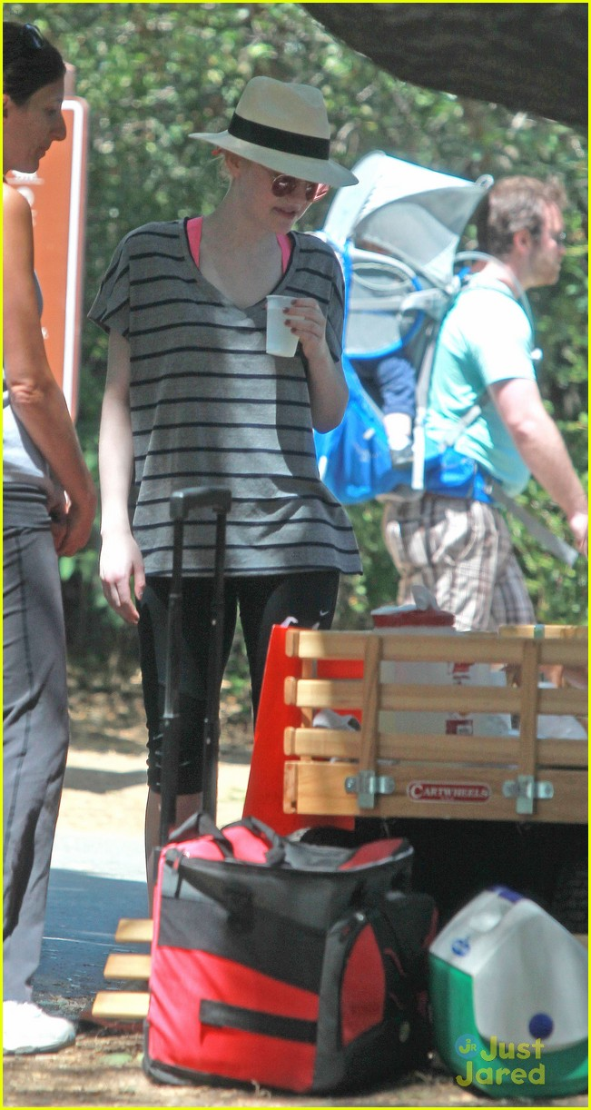 dakota elle joy fanning hike 05