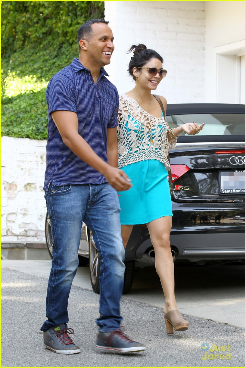 vanessa hudgens lunch brit 08