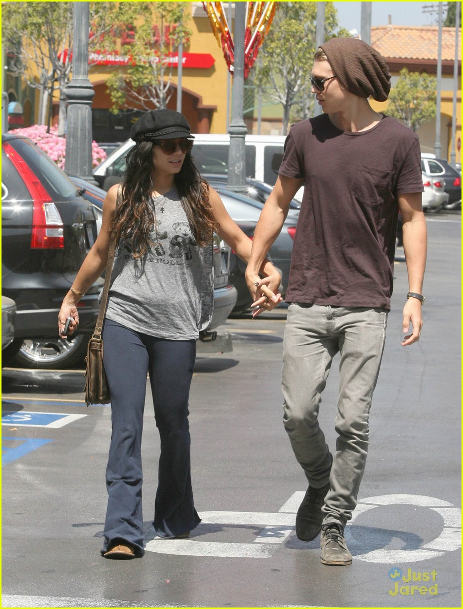 Vanessa Hudgens with her boyfriend 051312  LIME LT 15