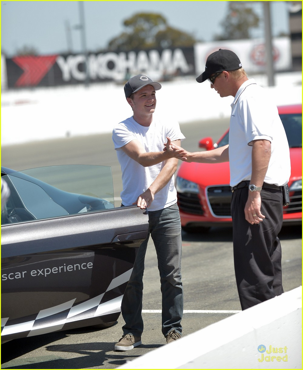 josh hutcherson audi sportscar 01