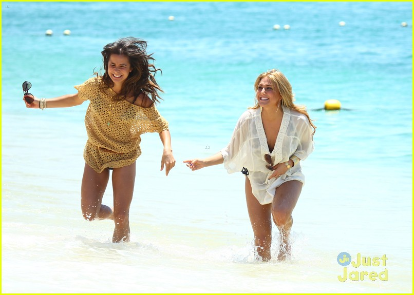 josie loren cassie scerbo cancun 02