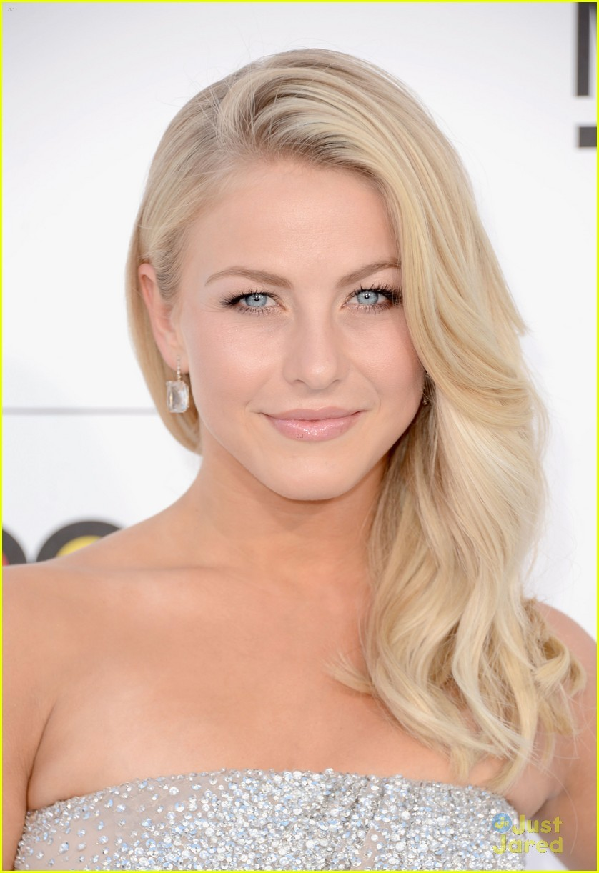 julianne hough 2012 bbma 06