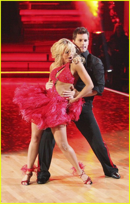 julianne hough diego boneta rock dwts 02