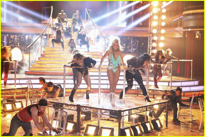 julianne hough diego boneta rock dwts 03