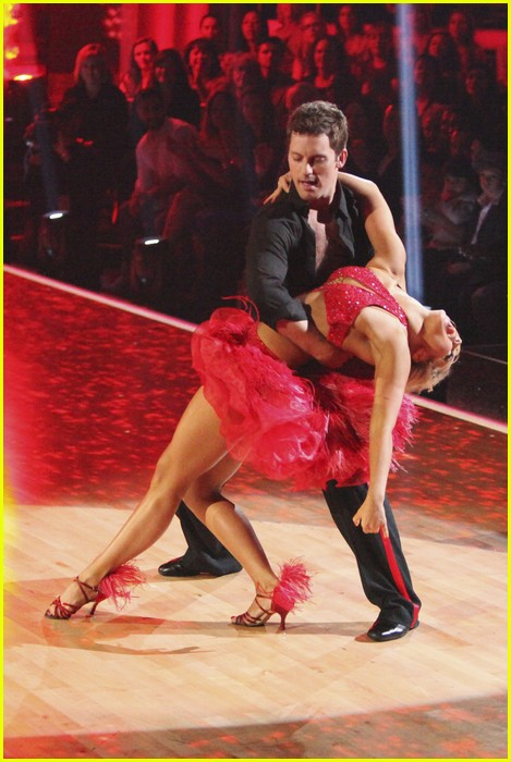 julianne hough diego boneta rock dwts 09