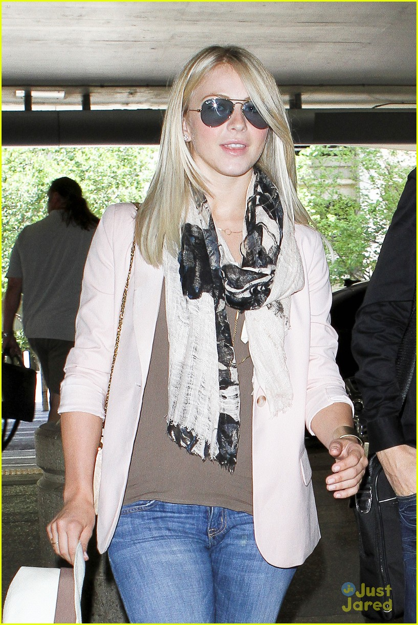 julianne hough lax chic 04