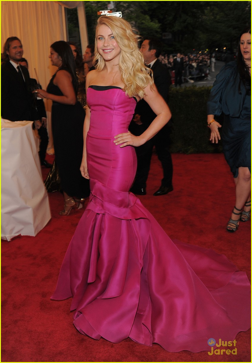 julianne hough met ball 06
