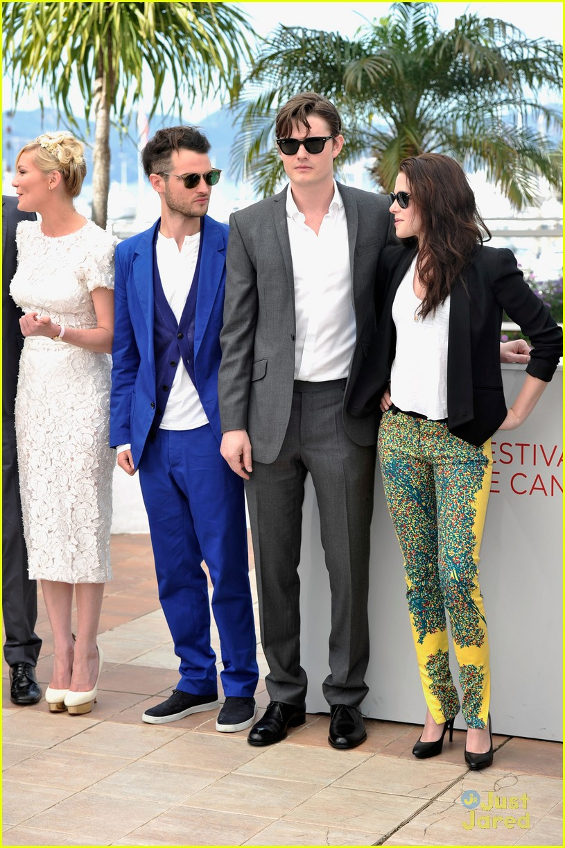 kristen stewart road cannes call 19