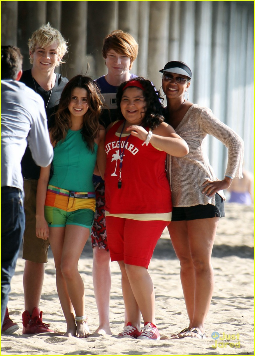 laura marano ross lynch aa beach 05