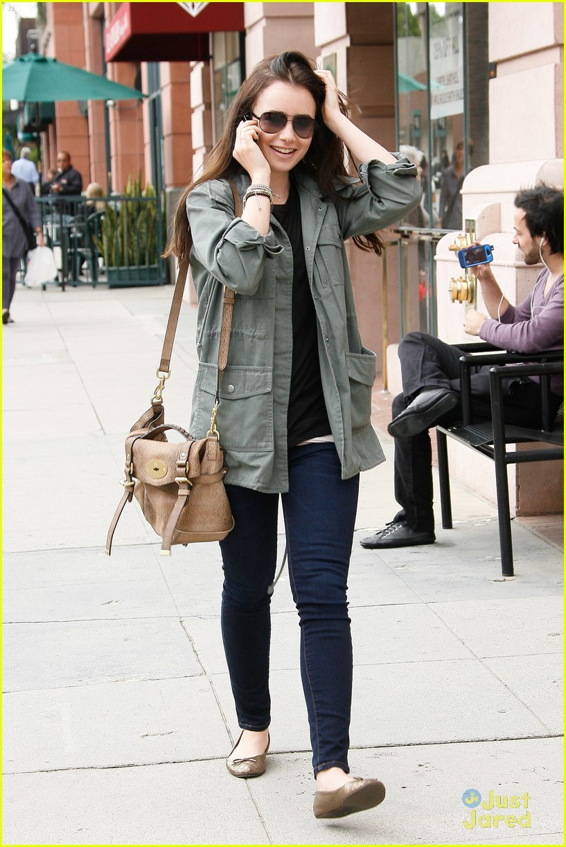 lily collins doc appt 08