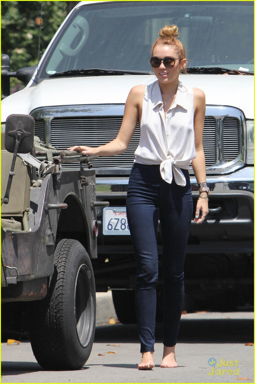 miley cyrus jeep conversation 01