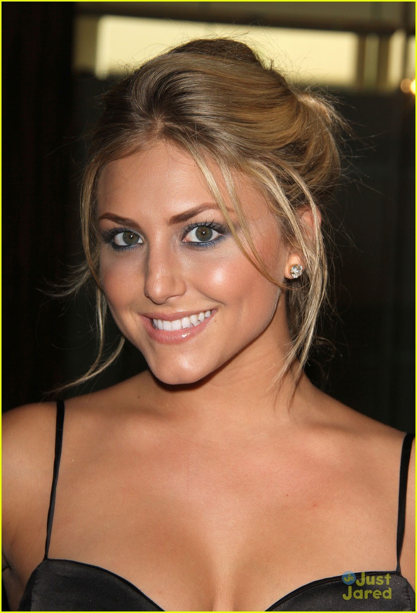 francia raisa cassie scerbo gracie awards 07