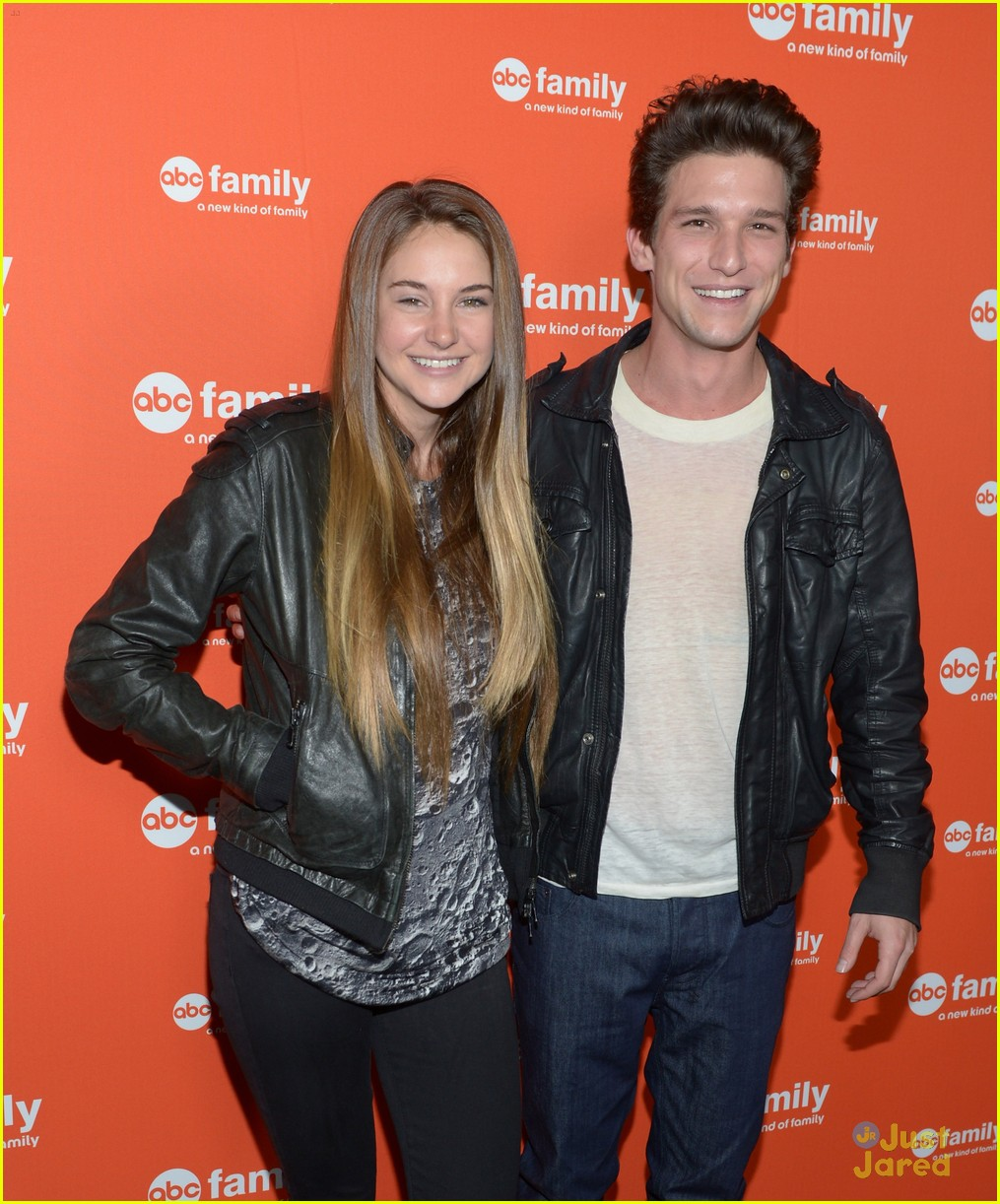 shailene woodley daren kagasoff upfronts 11