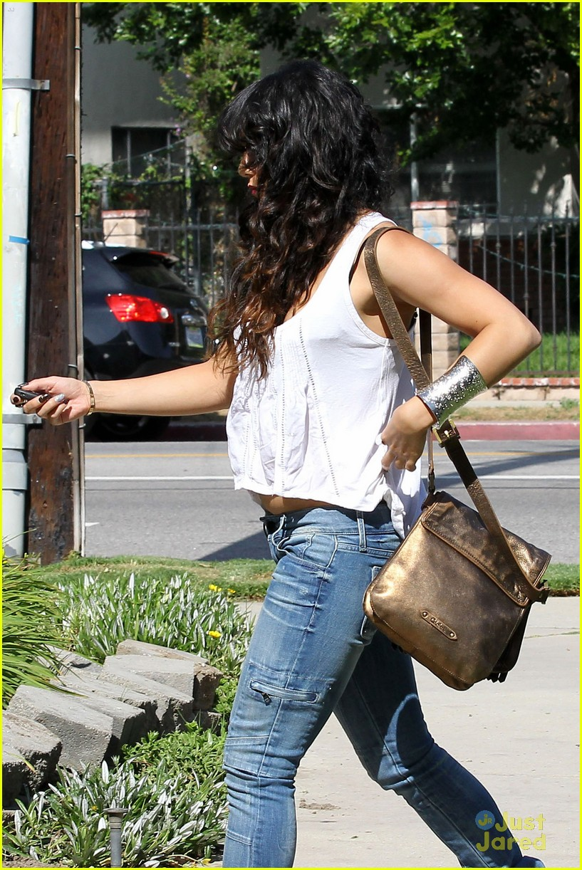 vanessa hudgens tastemaker lockerz 15
