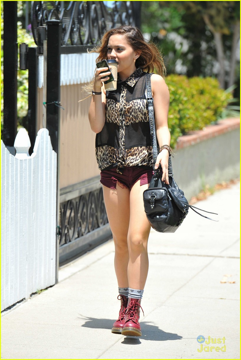 vanessa hudgens lunch stella 07