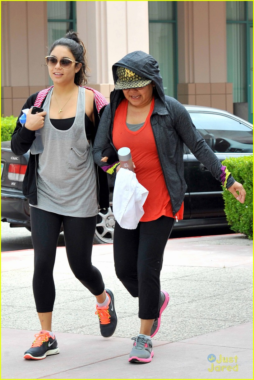 vanessa hudgens lunch stella 11