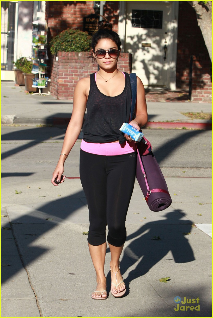 vanessa hudgens yoga tuesday 01
