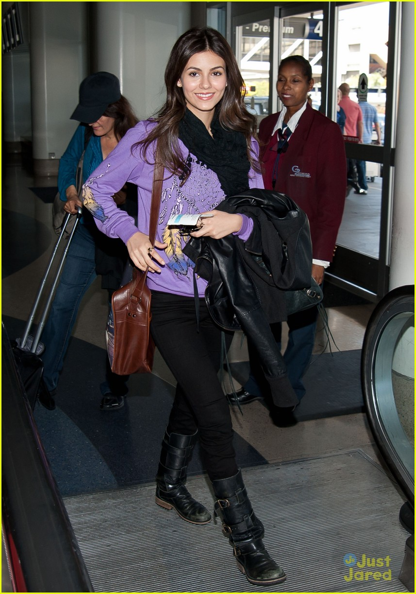 victoria justice allstate act 03