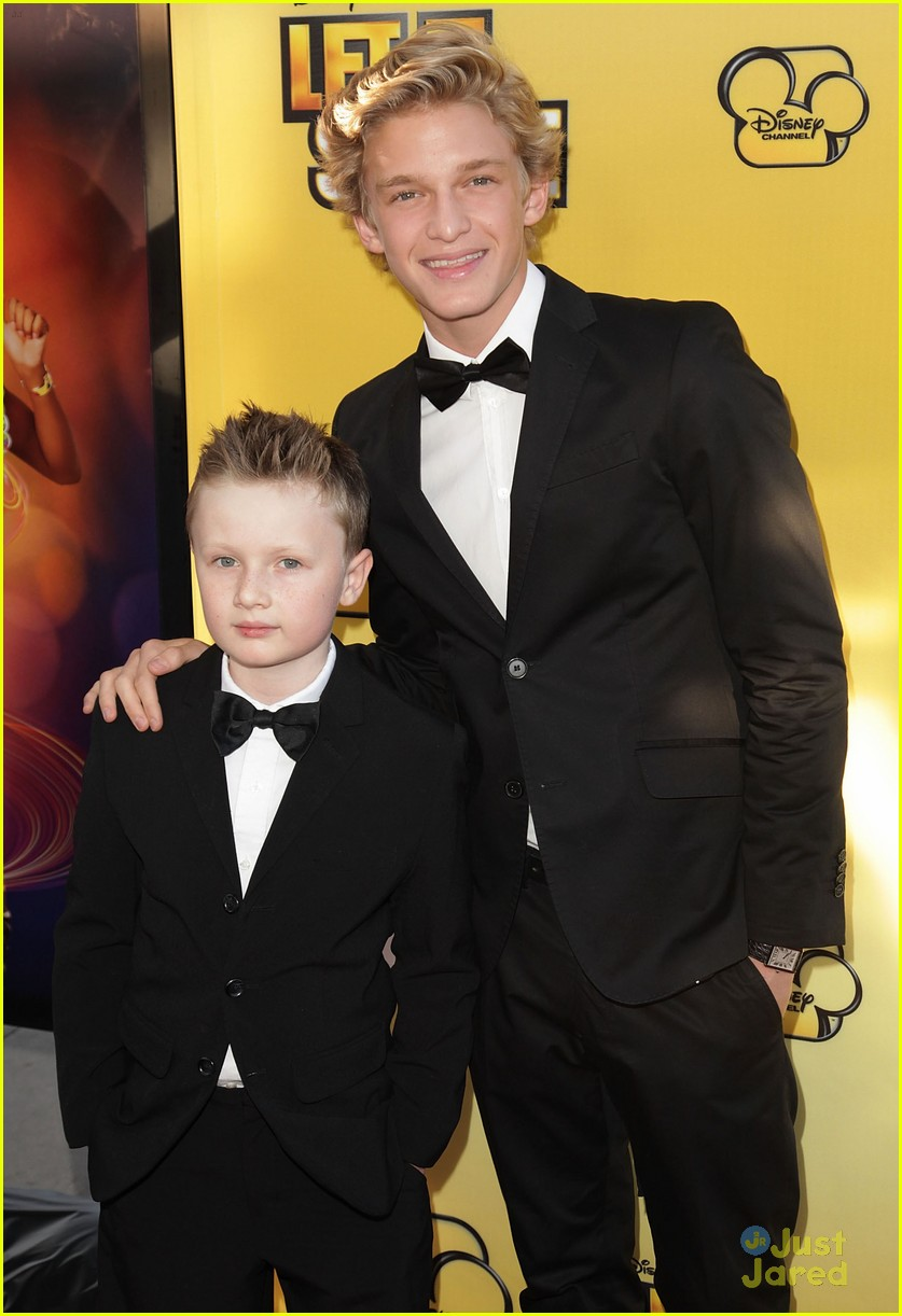 cody simpson calum worthy let shine 10