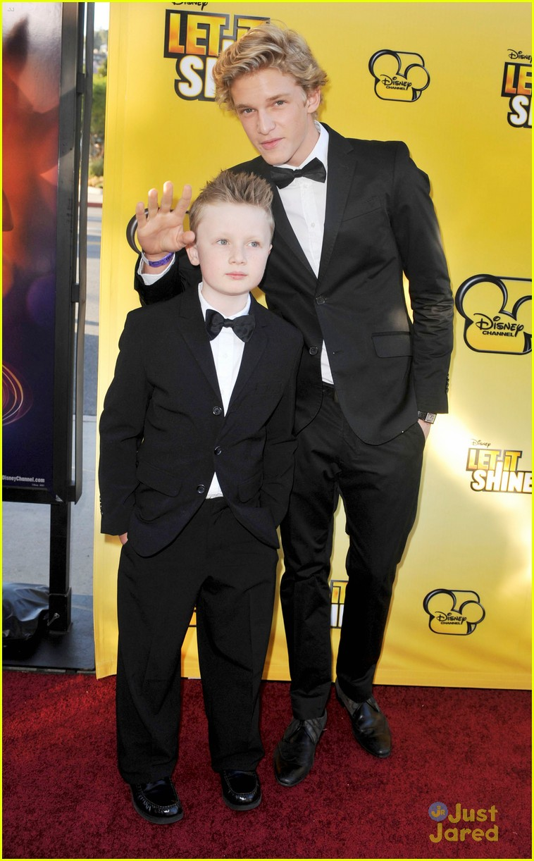 cody simpson calum worthy let shine 20
