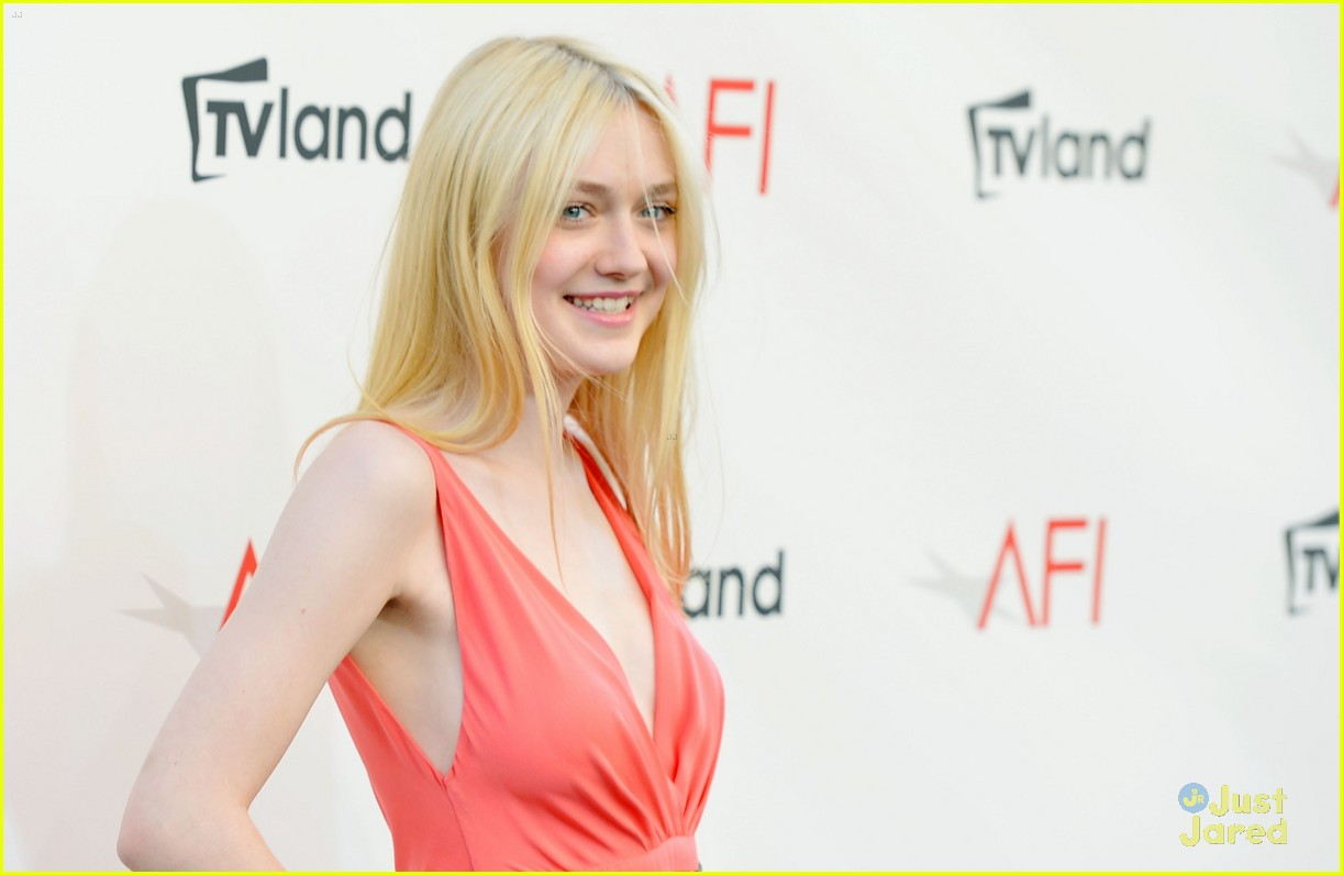 dakota fanning afi ceremony 05