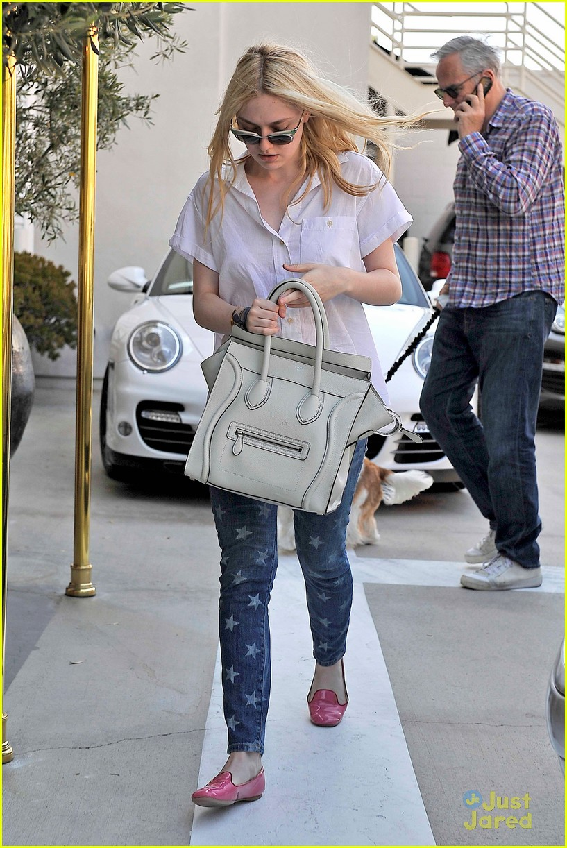 dakota fanning star jeans 03