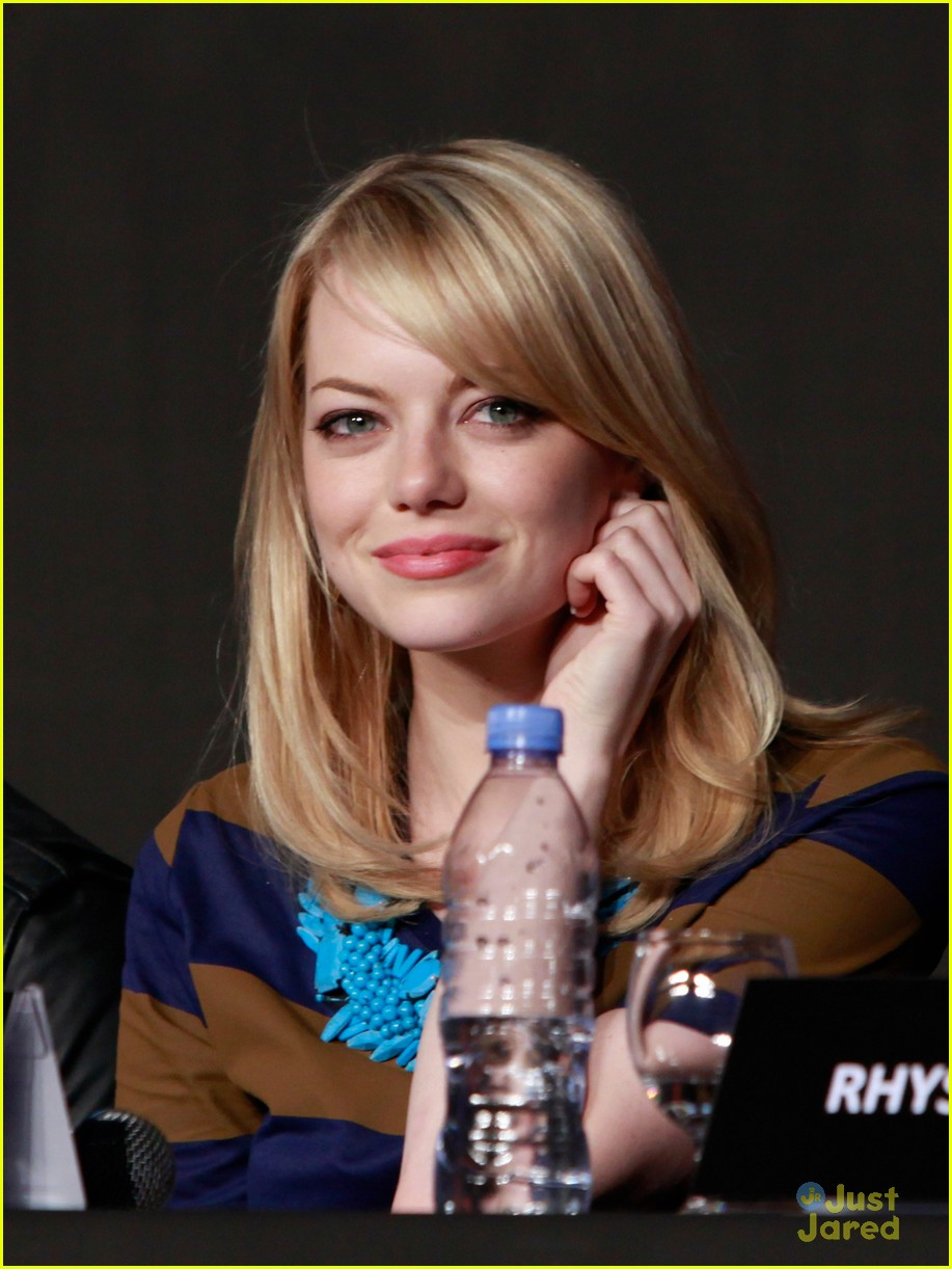 emma stone korea spiderman 18