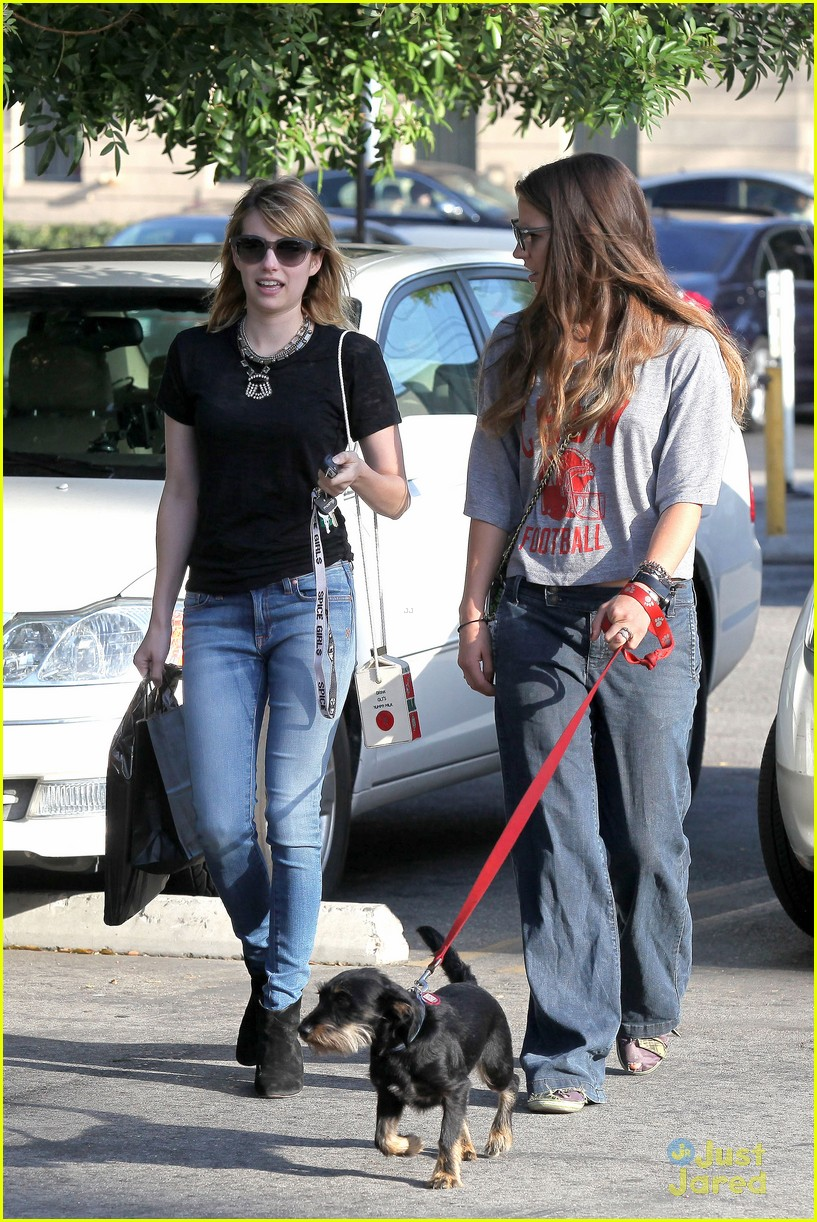 emma roberts los feliz milk 01