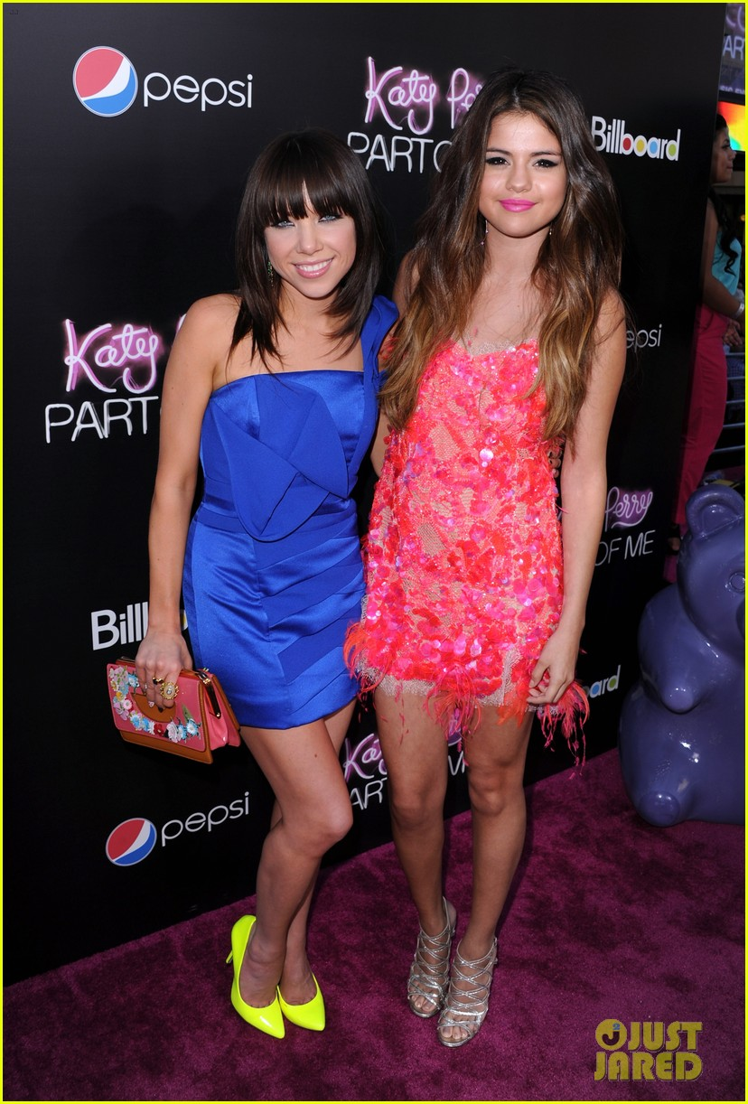 selena gomez katy perry part of me premiere 04