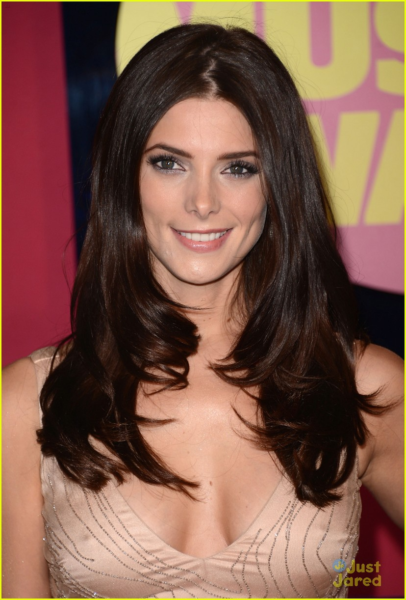 ashley greene cmt awards 02