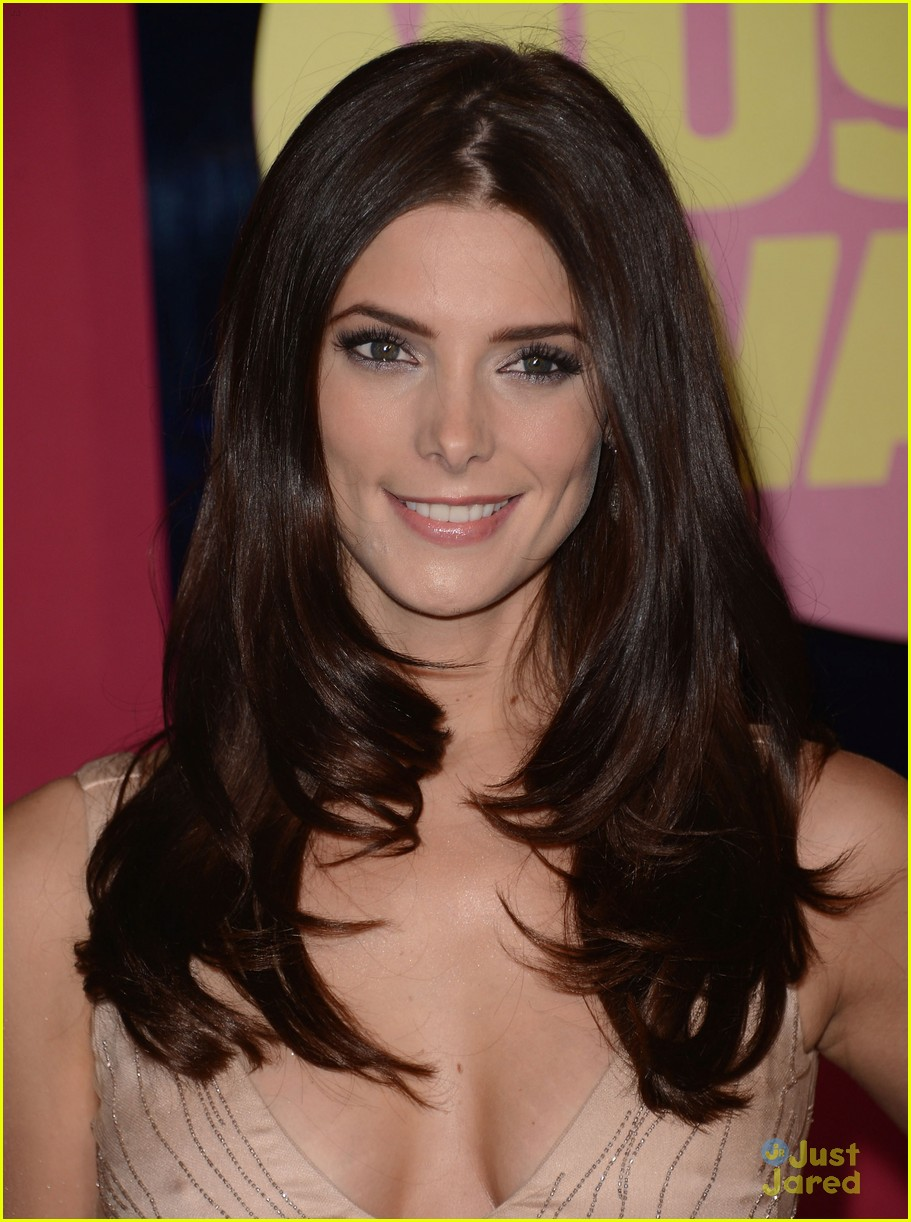 ashley greene cmt awards 07